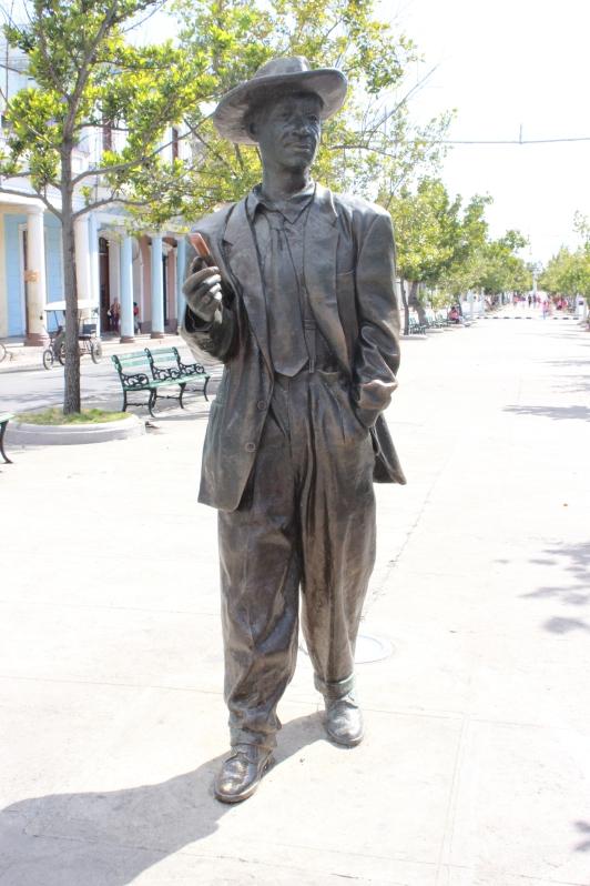 photo-du-mois-de-janvier-cuba-statue-en-bronze