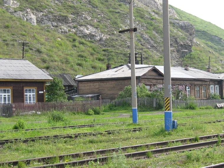 8-entre-ombre-ligne-de-chemin-de-fer