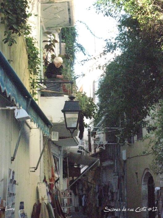 12 - Scène de rue en crète