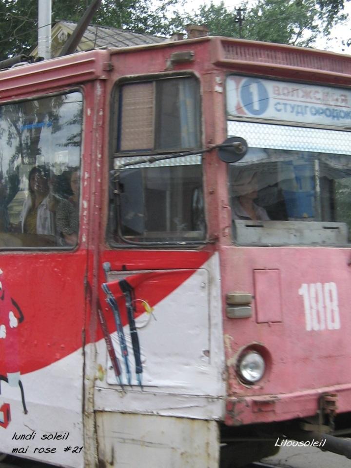 21 - mai rose un bus à Irkoukstk lundi soleil