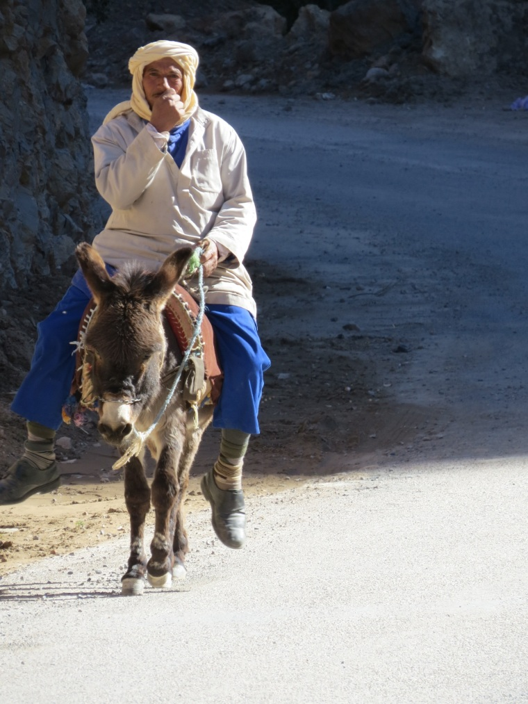 47 - scènes de rue quelque part au Maroc