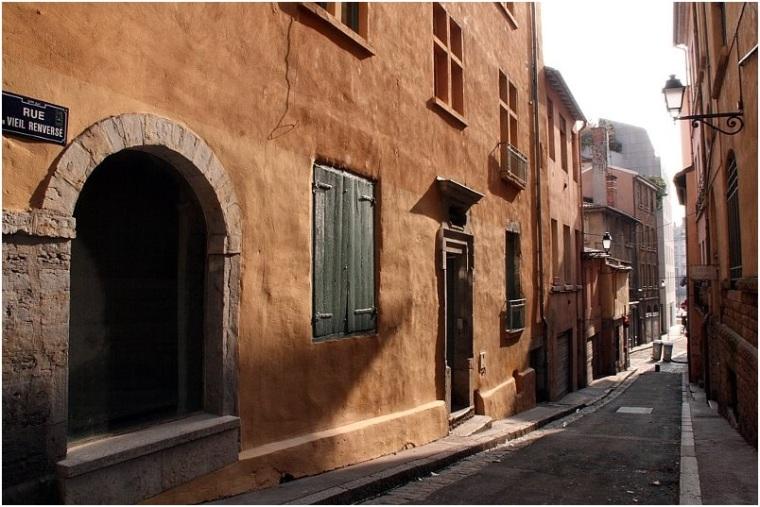 rue de la viel renversée vieux Lyon